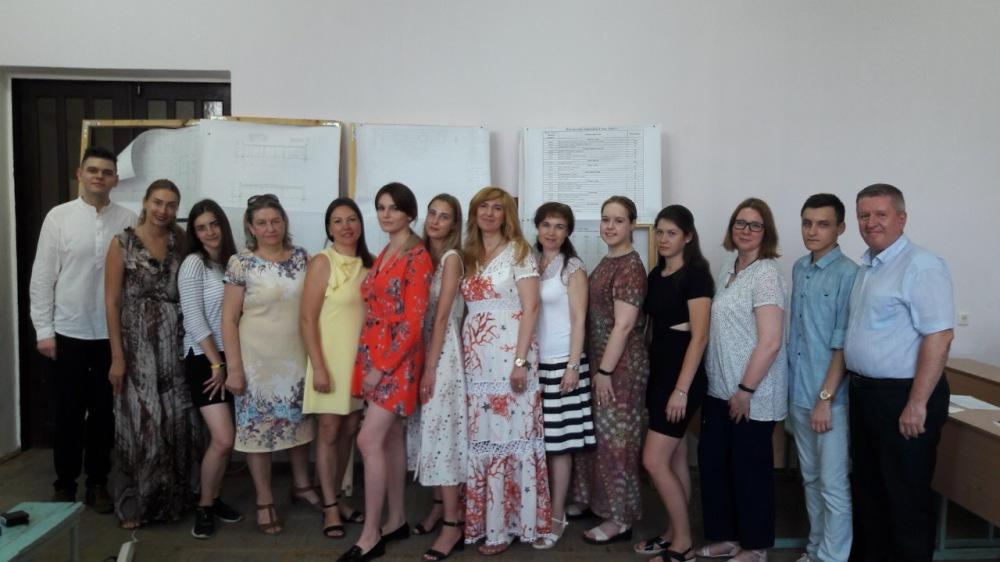 виконавці проекту - студенти та їх керівникі